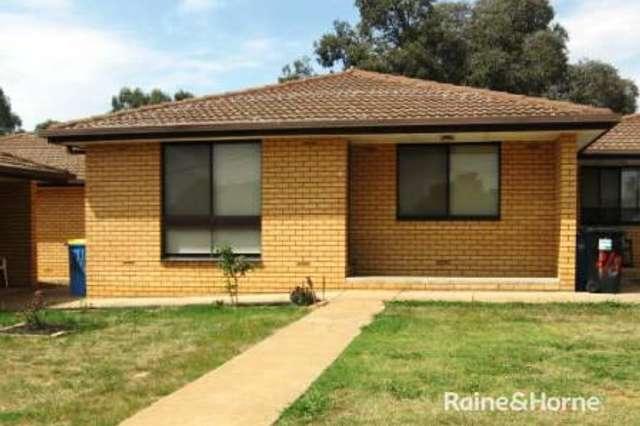 2/8 Wewak Street, Ashmont NSW 2650