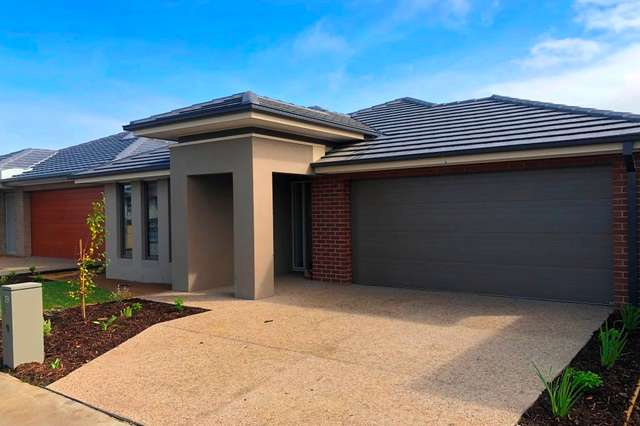 19 Heybridge street, Clyde VIC 3978