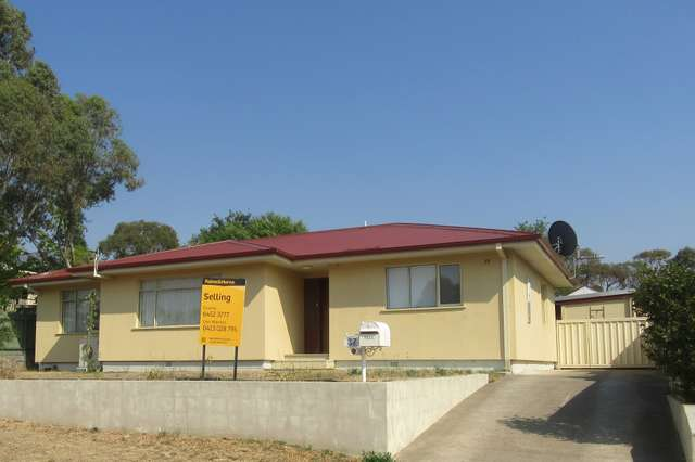 37 Campbell Street, Cooma NSW 2630