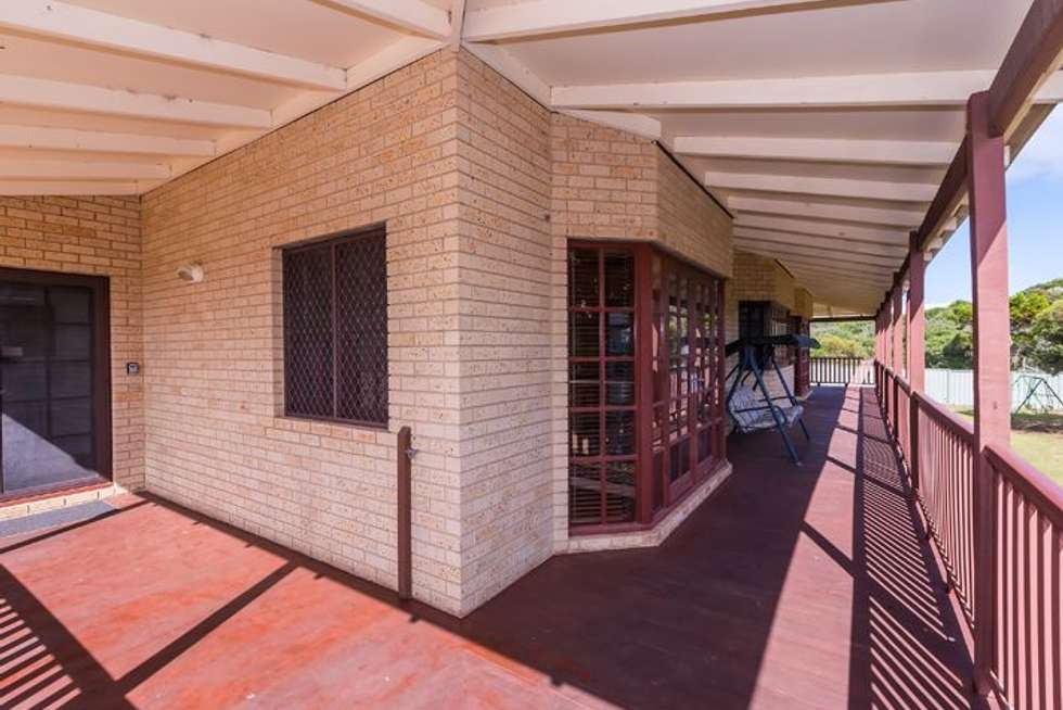 Fourth view of Homely house listing, 10 Jade Court, Singleton WA 6175