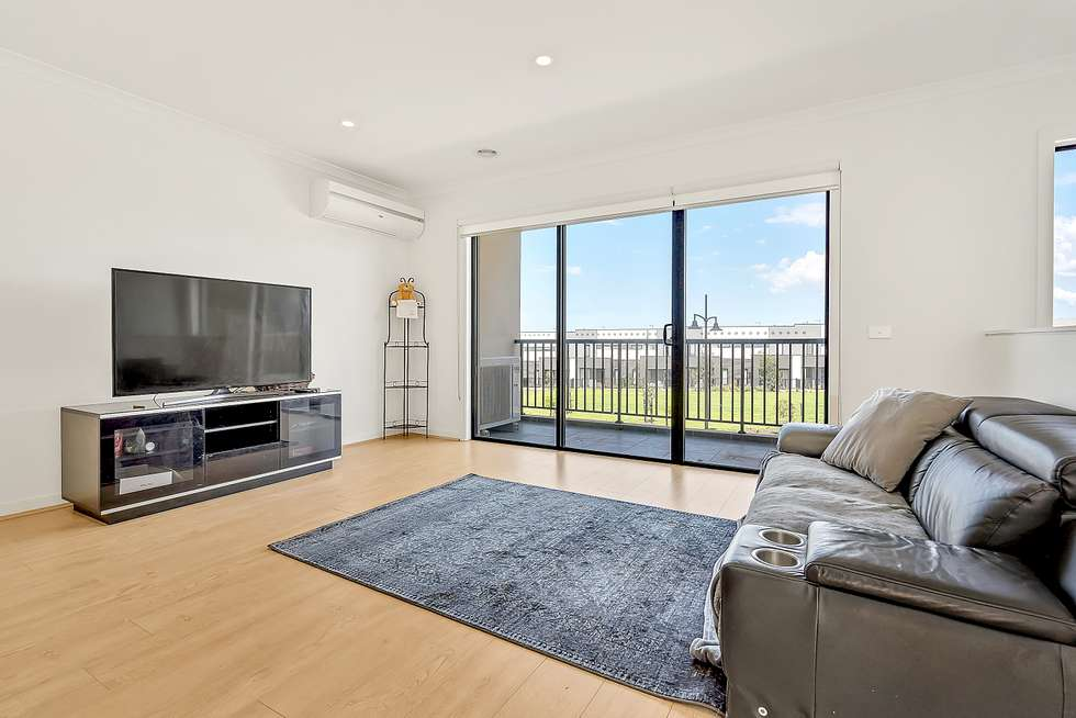 Second view of Homely house listing, 15 Regatta Drive, Craigieburn VIC 3064