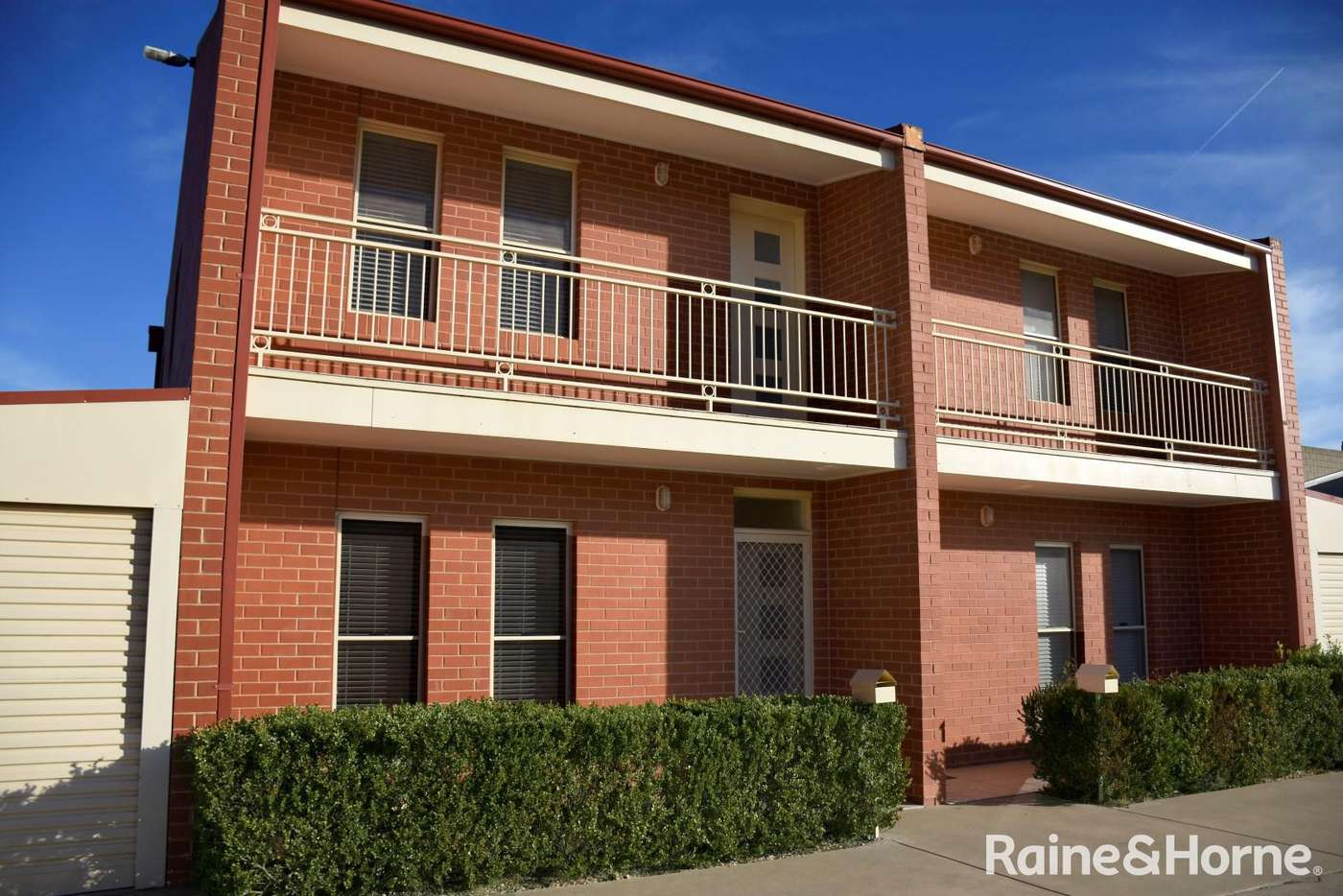 Main view of Homely townhouse listing, 1/32 Eulong Lane, Wagga Wagga NSW 2650
