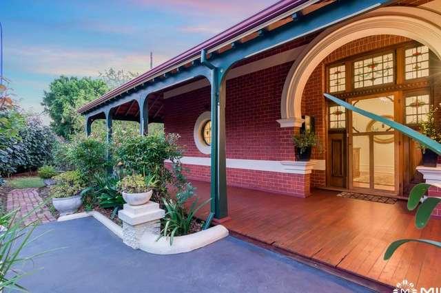 1 Osborne Rd, East Fremantle WA 6158