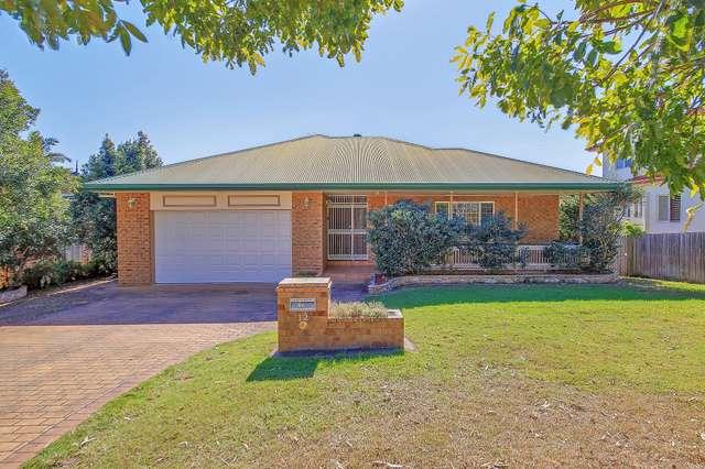 12 Hatherton Crescent, Carindale QLD 4152