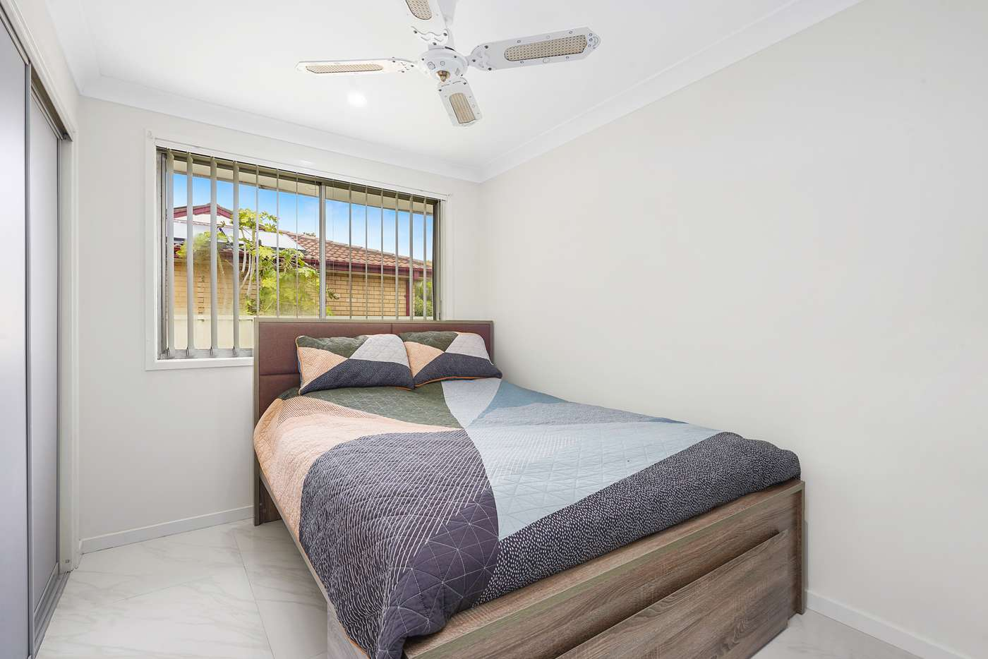 Fifth view of Homely house listing, 22 Comberford Close, Prairiewood NSW 2176