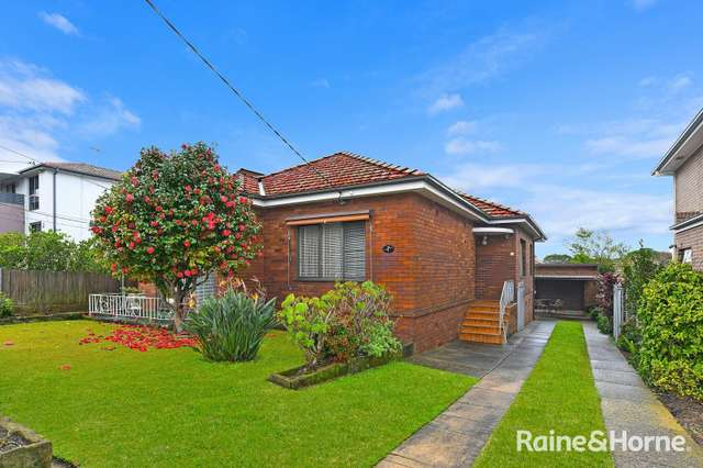 7 Meadow Street, Concord NSW 2137