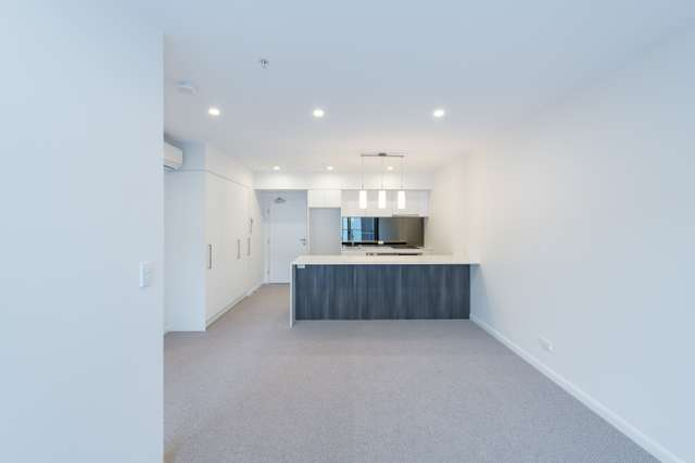 21008/300 Old Cleveland Road, Coorparoo QLD 4151