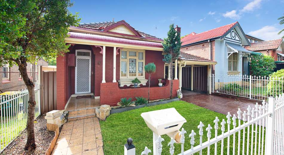 11 Heighway Ave, Ashfield NSW 2131