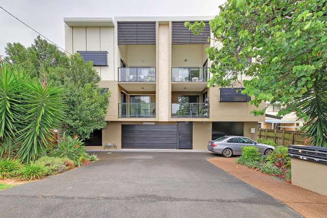 9/135 Cavendish Road, Coorparoo QLD 4151