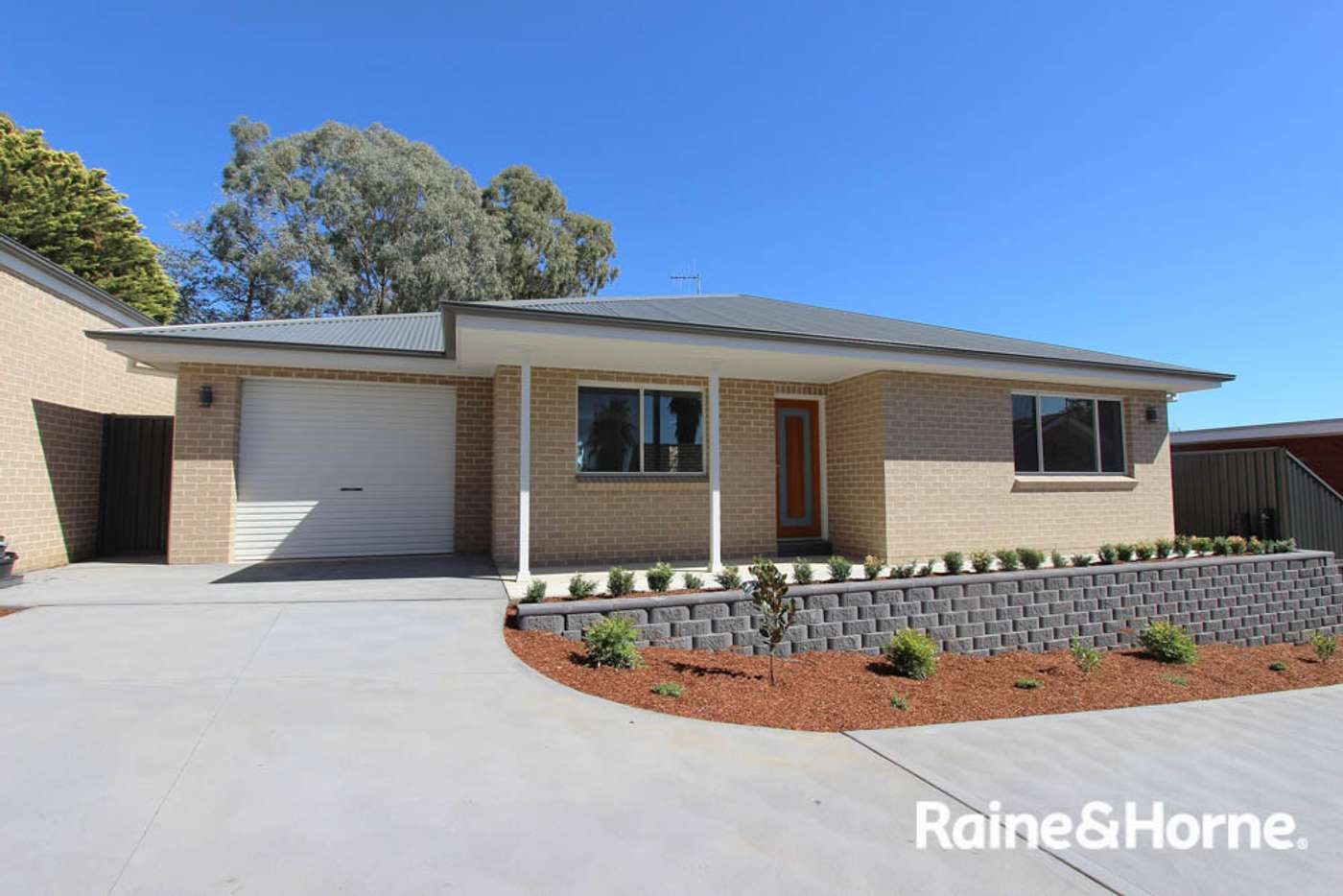 Main view of Homely villa listing, 12a Isaacs St, Bathurst NSW 2795