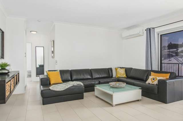 1/66 Cedar Street, Greenslopes QLD 4120