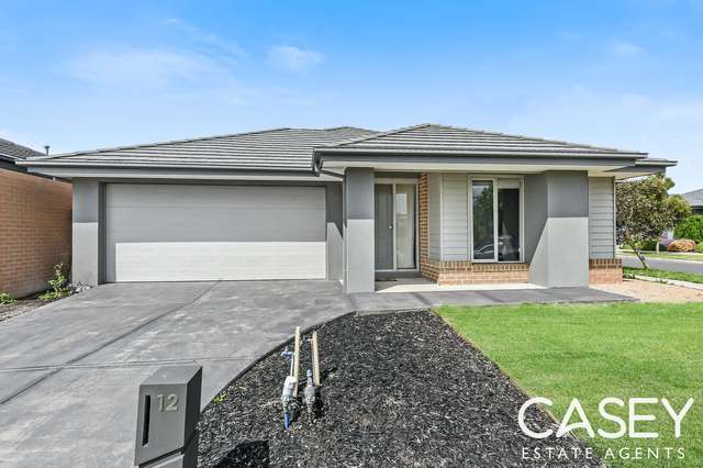 12 Burchill Avenue, Cranbourne East VIC 3977
