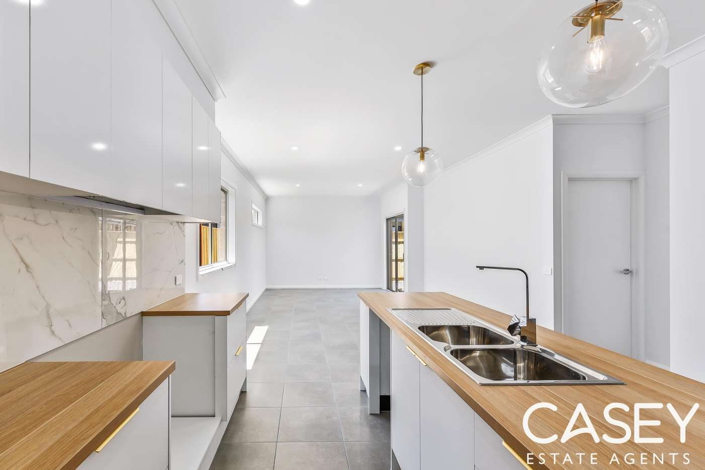 Fifth view of Homely house listing, 8 Diplomat Crescent, Cranbourne South VIC 3977