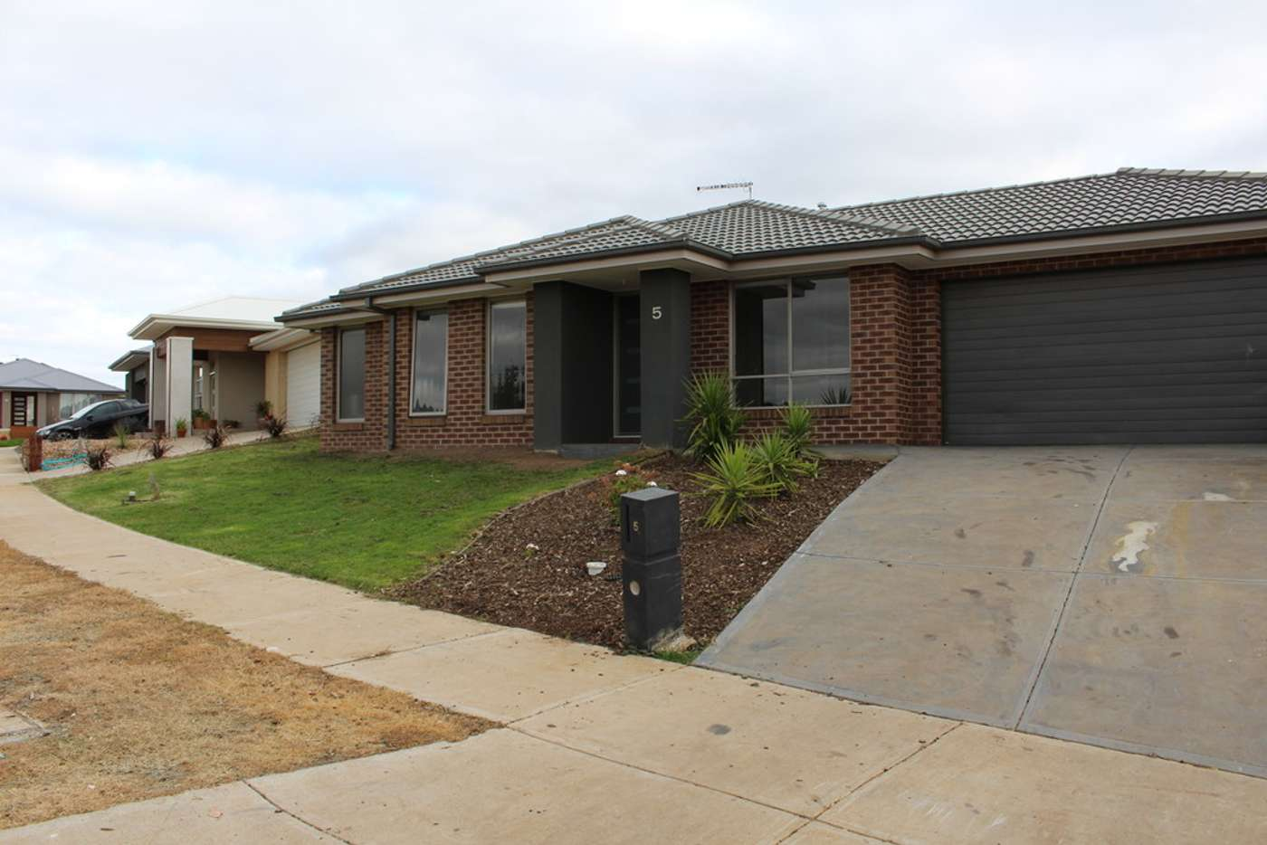 Main view of Homely house listing, 5 Lampton Way, Sunbury VIC 3429