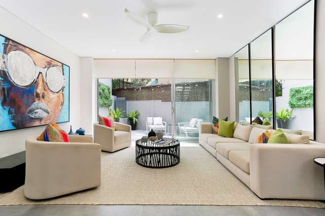 2/242 Old South Head Road