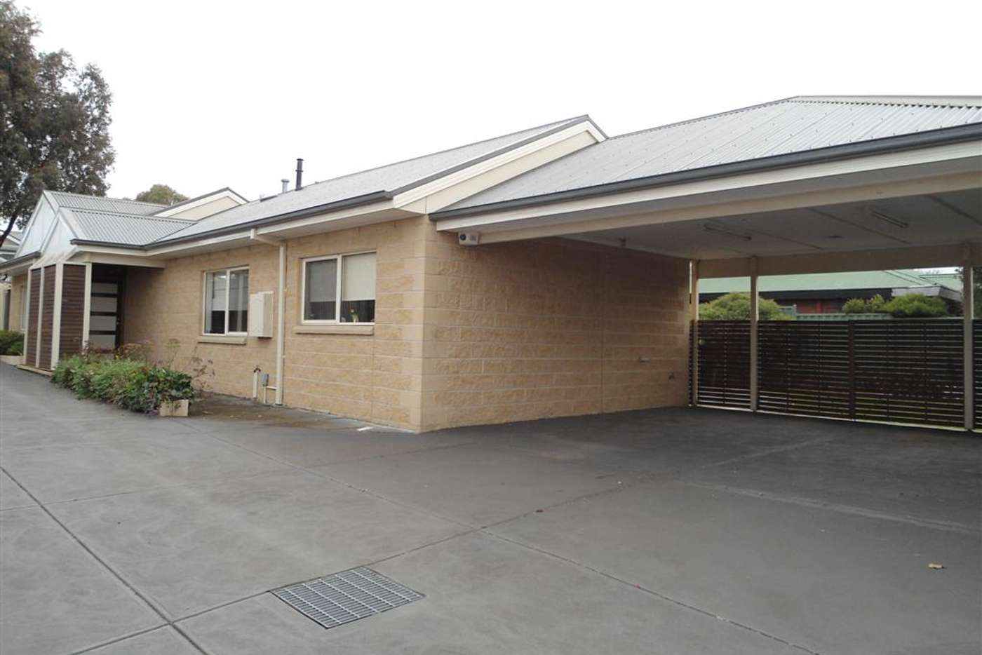 Main view of Homely unit listing, 2/116 ANDERSON ROAD, Sunbury VIC 3429