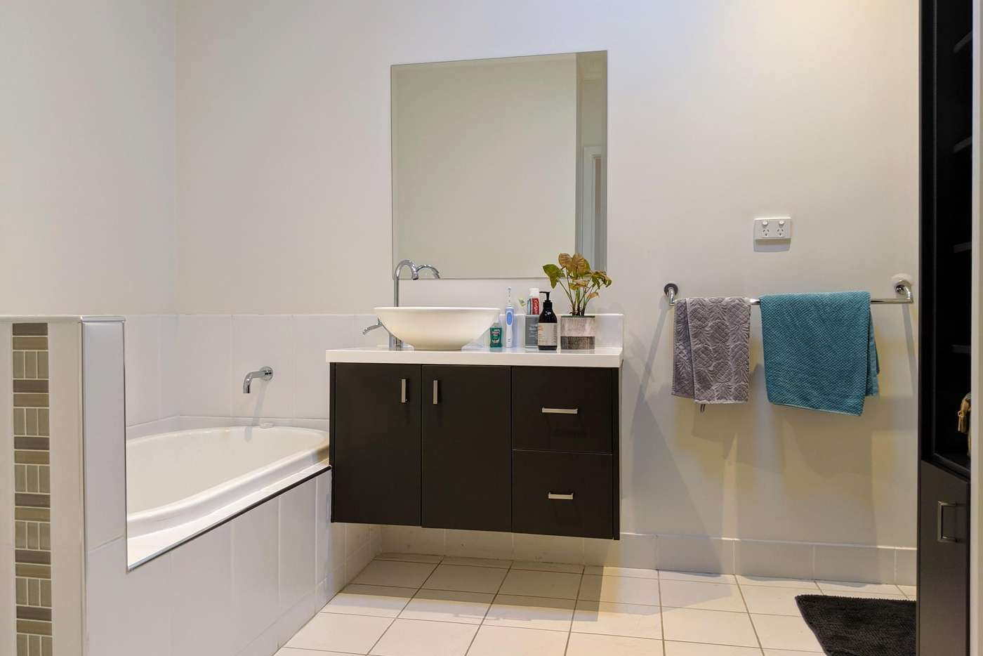 Sixth view of Homely unit listing, 2/116 ANDERSON ROAD, Sunbury VIC 3429