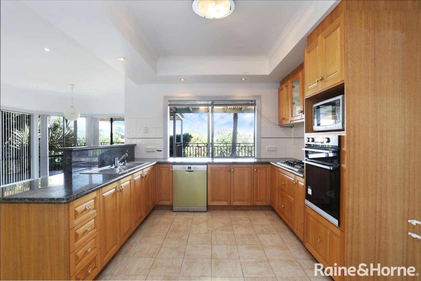 Sixth view of Homely house listing, 10 The Ridge, Roxburgh Park VIC 3064