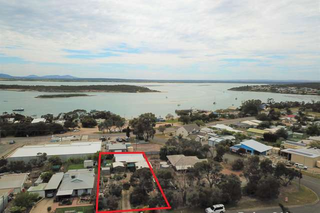 40 Flinders Avenue, Coffin Bay SA 5607