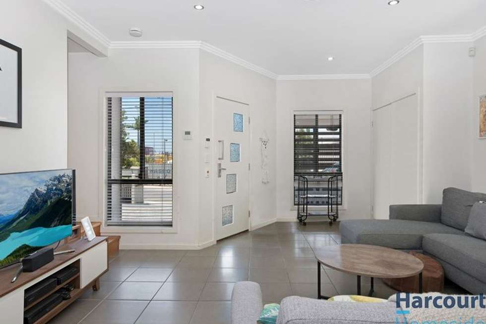 Third view of Homely house listing, 1/24 Henry Street, Woolloongabba QLD 4102