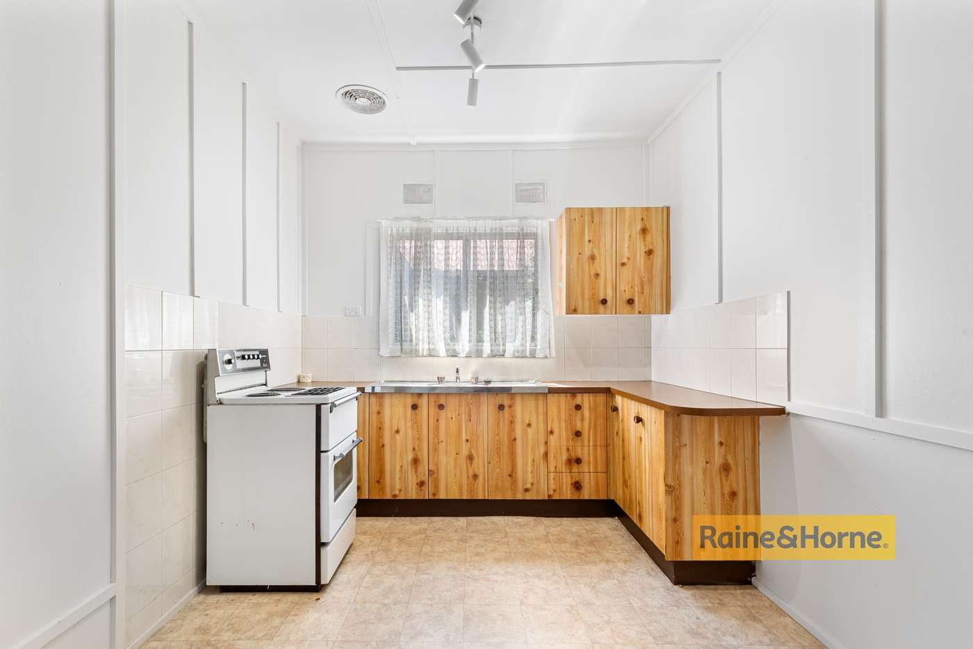 Main view of Homely unit listing, 1/64 Karingi Street, Ettalong Beach NSW 2257