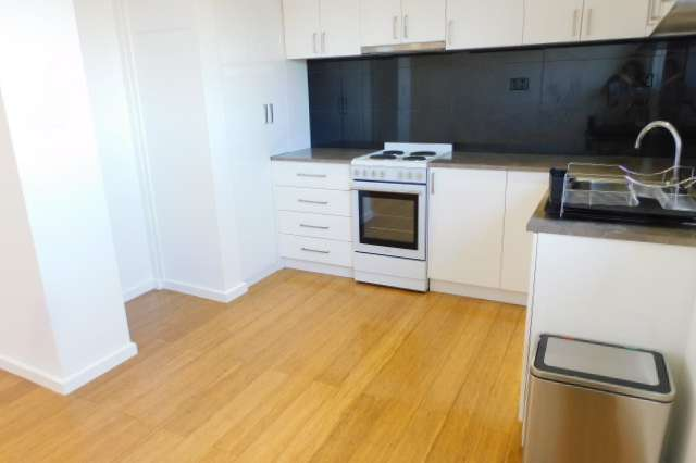 8/200 Melrose Drive, Airport West VIC 3042