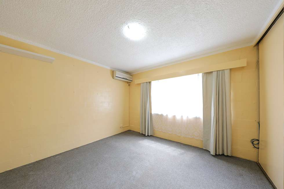 Fifth view of Homely flat listing, 4/2 Arika Avenue, Ocean Shores NSW 2483