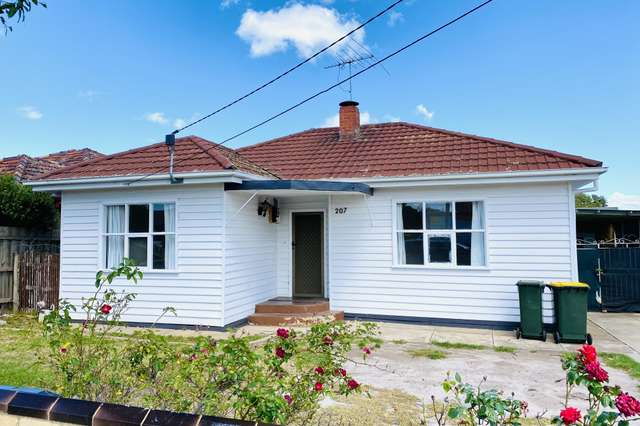 207 Main Rd West, St Albans VIC 3021