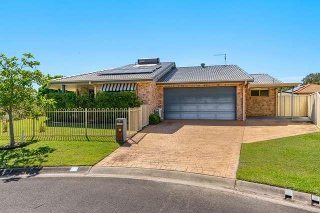 1 Kempnich Place, Yamba NSW 2464