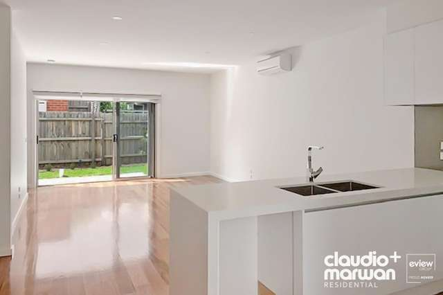 2/28 Curie Avenue, Oak Park VIC 3046
