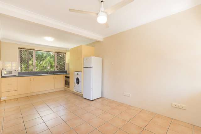 10/75 Sir Fred Schonell Drive, St Lucia QLD 4067