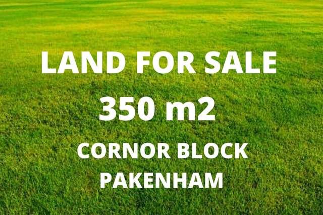 42 Ash Crescent, Pakenham VIC 3810