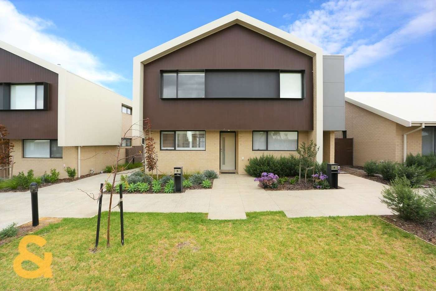 Main view of Homely townhouse listing, 5 Mezzo Walk, Greenvale VIC 3059
