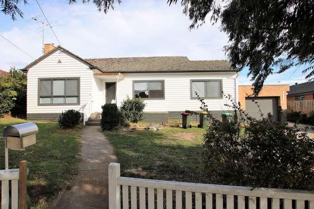 19 Ridge Road, Oak Park VIC 3046