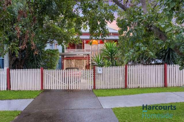 18 Macrossan Avenue, Norman Park QLD 4170
