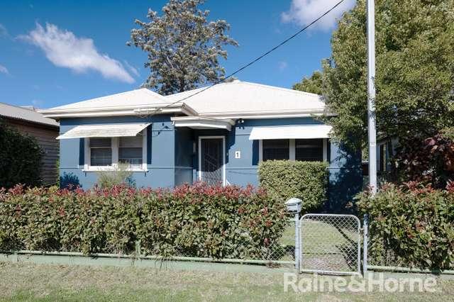 1 Sunnyside Street, Mayfield NSW 2304