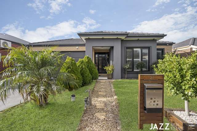 21 Mcwilliams Crescent, Point Cook VIC 3030