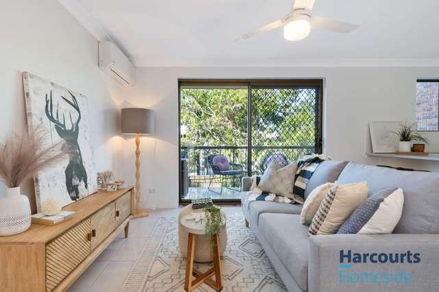 2/12 Crown Street, Holland Park West QLD 4121