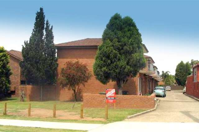 104 Hoxton Park Rd, Liverpool NSW 2170