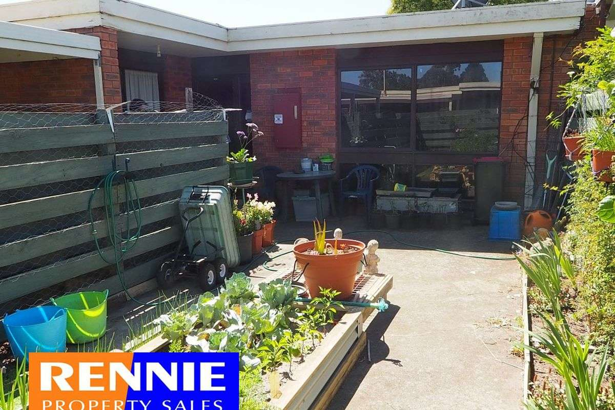 Main view of Homely townhouse listing, 6 / 1 Hannah Street, Morwell, VIC 3840
