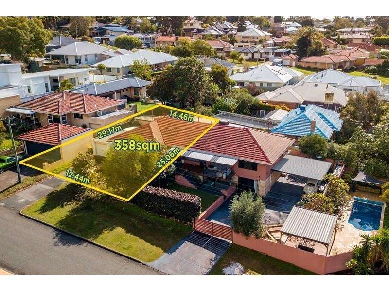 Main view of Homely semidetached listing, 1A/1 Bowling Place, Melville, WA 6156