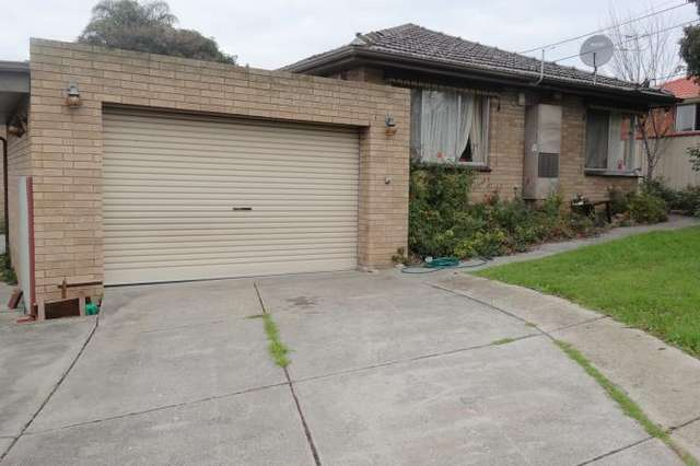 22 Fairbank Avenue, Gladstone Park VIC 3043