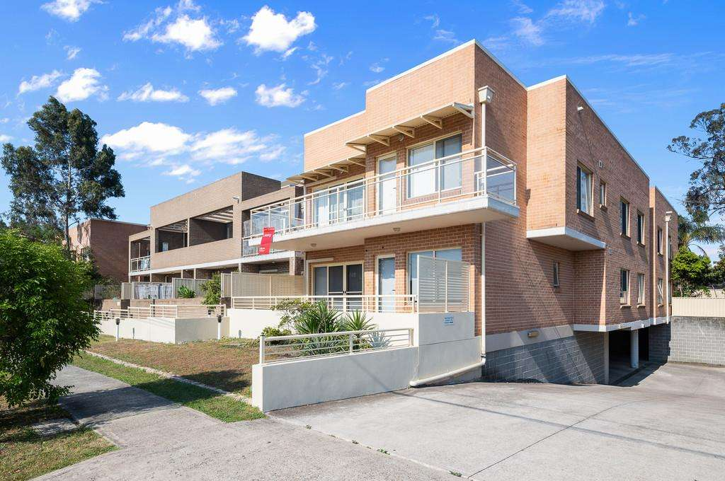 Main view of Homely unit listing, 14/4-6 Freeman St, Warwick Farm, NSW 2170