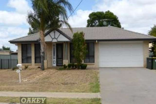 28 Weise St, Oakey QLD 4401