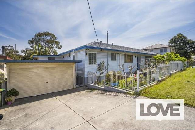 1 Butler Cres, Warners Bay NSW 2282
