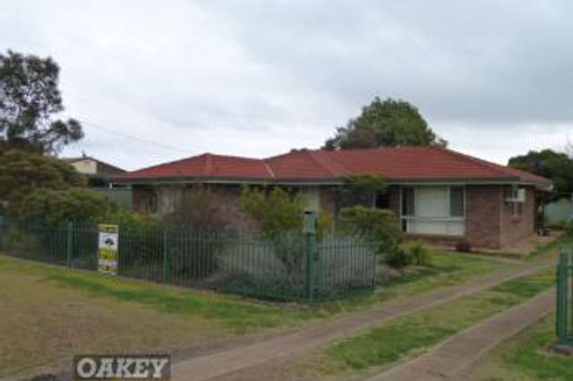 6 Hass Street, Oakey QLD 4401