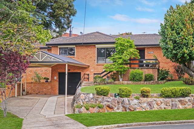 25 Megalong Cr, Campbelltown NSW 2560