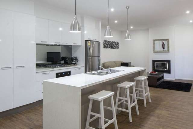 2/31 Booth Street, Golden Square VIC 3555