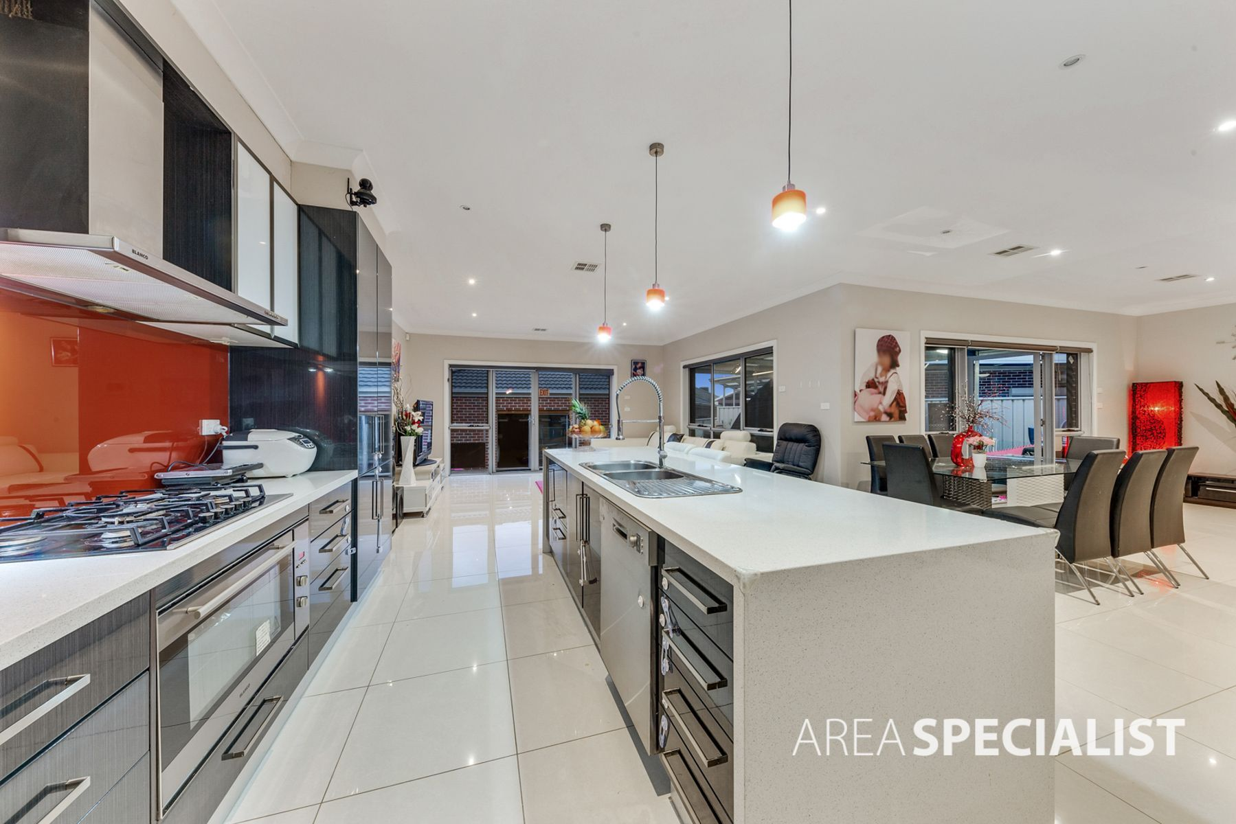 123 Cairnlea Drive