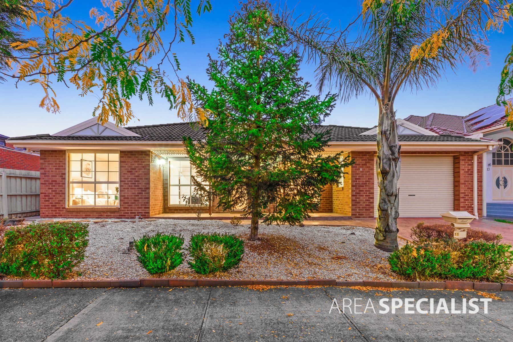 11 Spinifex Street